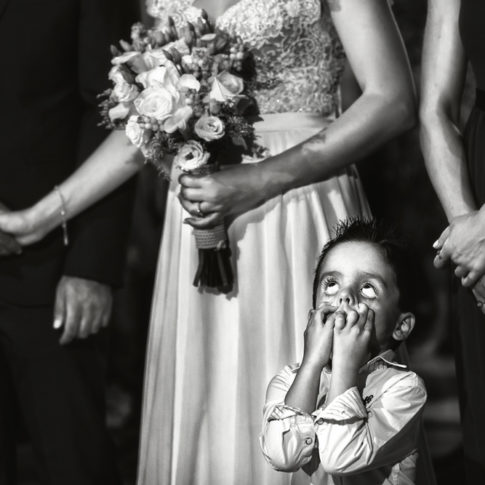 Φωτογράφιση κατά τον γάμο στην Αρτάκη. Αυθόρμητο πορτραίτο. Dimitris Tsinias Photography